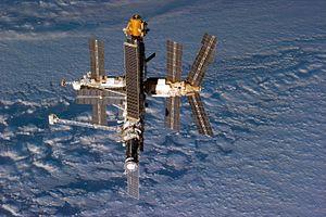 """Prieš 20 metų kosminė stotis """"MIR"""" nukeliavo į kosminių laivų kapinyną Ramiajame vandenyne"""