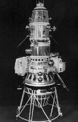 Pirmojo dirbtinio mėnulio palydovo skrydžiui – 55 metai!