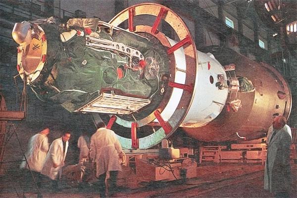 """Pirmoji ilgalaikė orbitinė stotis """"Saliut 1"""""""